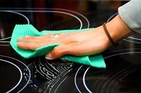 Cách vệ sinh mặt kính bếp hồng ngoại