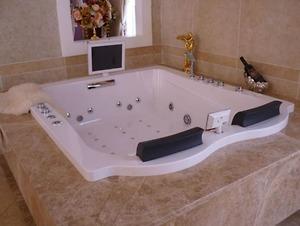 Bồn tắm massage Koleto AR 045